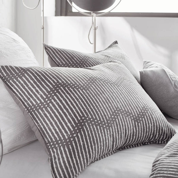 DOT CHEVRON PILLOW CASE STANDARD