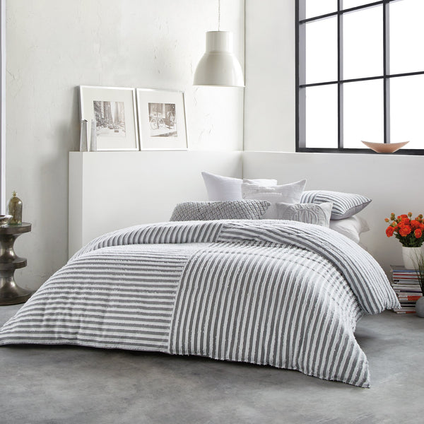 CLIPPED SQUARE JACQUARD DUVET COVER