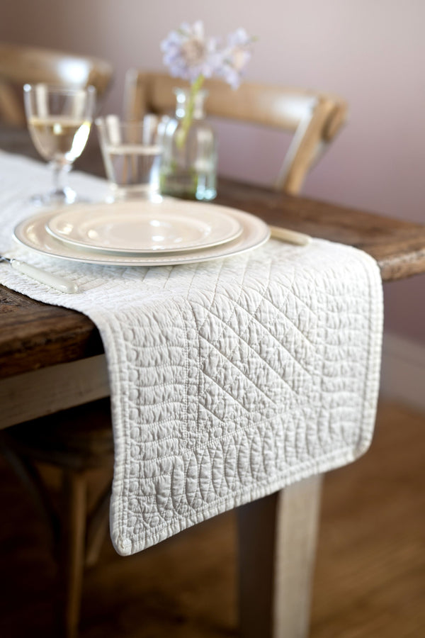 SIGNATURE IVORY COTTON TABLE RUNNER