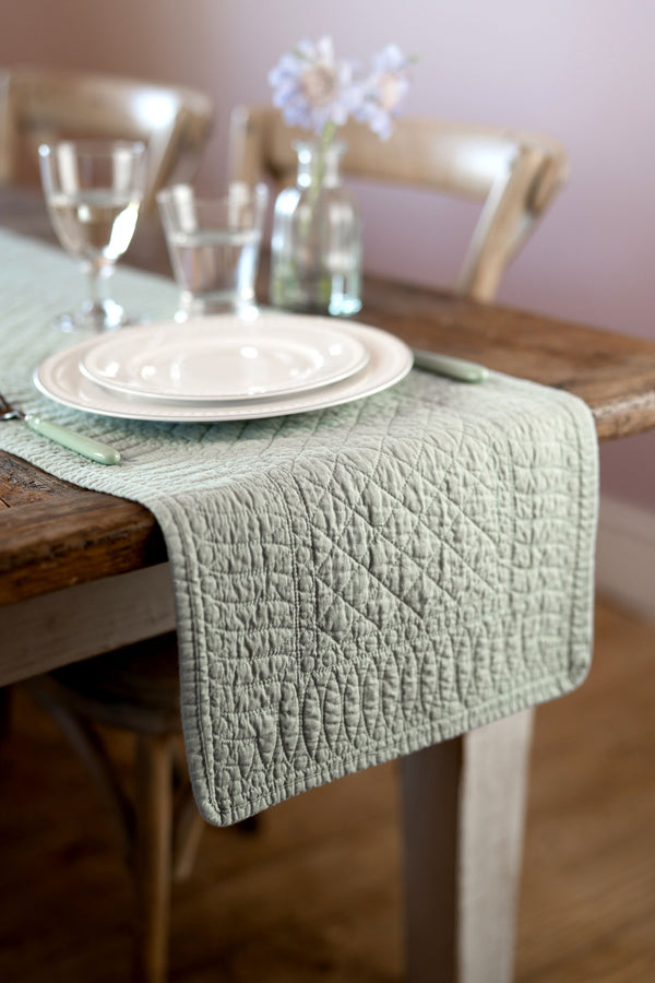 SIGNATURE PISTACHIO COTTON TABLE RUNNER