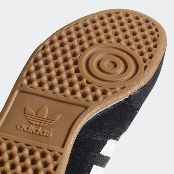 a picture of the outsole of the adidas mundial goal indoor soccer shoe