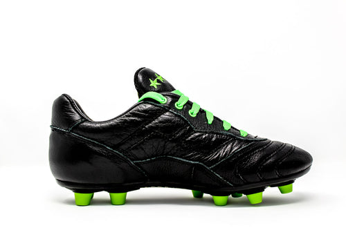 Akuna Cinquestelle Toro Special Edition FG Soccer Cleat, Black & Green, Buffalo Leather Upper, 12 Conical Studs, Side View