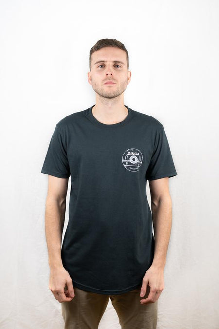 The Futbol Mvment Club Crest T-Shirt - Navy