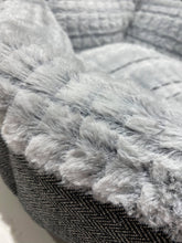 Load image into Gallery viewer, Tweed Plush Donut Bed - Ziggy Belle