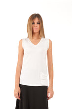 Load image into Gallery viewer, V-Neck Pocket Detail Top