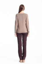 Load image into Gallery viewer, C' Logo Long Sleeve Top camel