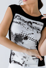 Load image into Gallery viewer, Black Print Detail Cap Sleeve Top