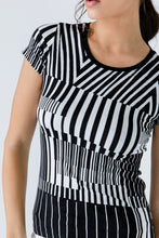 Load image into Gallery viewer, Short Sleeve Black and White Top
