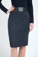 Load image into Gallery viewer, Midi Pencil Skirt Stripped