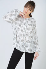 Load image into Gallery viewer, Long Sleeve Floral Top with Round Neckline and Button Fastening at the Nape by Conquista Fashion