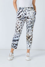 Load image into Gallery viewer, Animal Print Fitted Pants