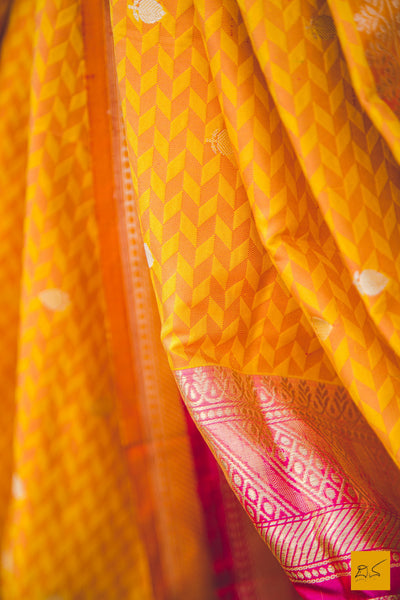 This is a beautiful banarasi katan silk tanchoi handwoven dupatta. New trend of Banarasi designs, Banarasi for artists, art lovers, architects, dupatta lovers, dupatta connoisseurs, musicians, dancers, doctors, Banarasi Katan silk dupatta, indian dupatta images, latest dupatta with price, only dupatta images, new Banarasi dupatta design.