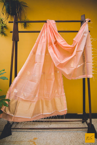 This is a gorgeous chanderi silk cotton handwoven dupatta. New trend of chanderi pure silk dupatta designs, chanderi pure Silk dupatta for artists, art lovers, architects, dupatta lovers, dupatta connoisseurs, musicians, dancers, doctors, chanderi pure Silk dupatta, indian dupatta images, latest dupattas with price, only dupatta images, new chanderi pure silk dupatta design.