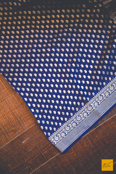 This is a wonderful banarasi georgette handwoven sari with a blue body. New trend of Banarasi Saree designs, Banarasi Saree for artists, art lovers, architects, saree lovers, Saree connoisseurs, musicians, dancers, doctors, Banarasi Katan silk saree, indian saree images, latest sarees with price, only saree images, new Banarasi saree design.