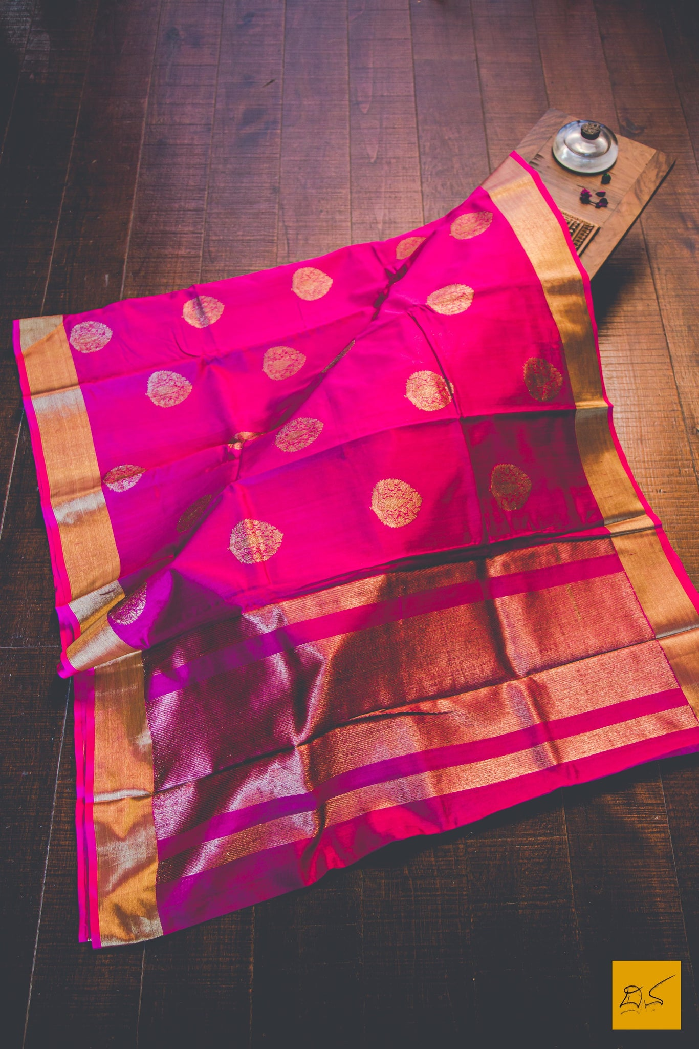 This is a gorgeous Banarasi Tussar Silk Handwoven Saree with a Dark Pink body. New trend of Banarasi Saree designs, Banarasi Saree for artists, art lovers, architects, saree lovers, Saree connoisseurs, musicians, dancers, doctors, Banarasi silk saree, indian saree images, latest sarees with price, only saree images, new Banarasi saree design.