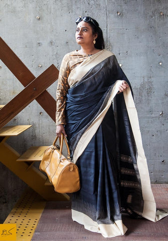 A lovely khadi cotton saree with tie-dye design and pallu with woven designs. New trend of Saree designs, Saree for artists, art lovers, architects, saree lovers, Saree connoisseurs, musicians, dancers, doctors, Katan silk saree, indian saree images, latest sarees with price, only saree images, new saree design.