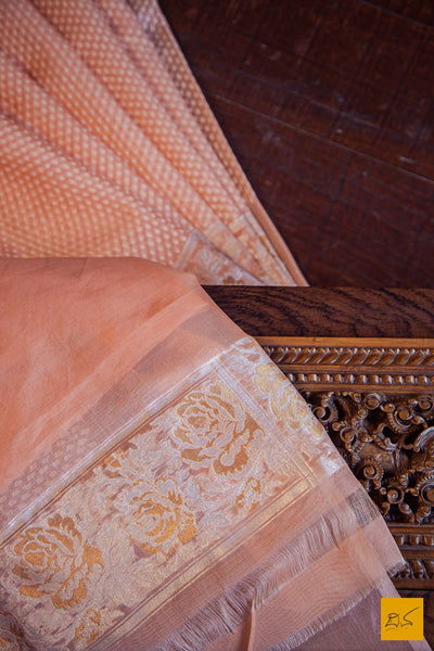 A lovely banarasi kora silk organza handwoven saree with white cut work buttas and exquisitely woven sona rupa border, pallu. Elegant and classy. New trend of Banarasi Saree designs, Banarasi Saree for artists, art lovers, architects, saree lovers, Saree connoisseurs, musicians, dancers, doctors, Banarasi silk saree, indian saree images, latest sarees with price, only saree images, new Banarasi saree design.