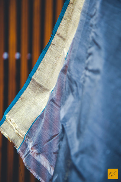 This is a gorgeous cotton chanderi handwoven saree with hints of meenakari in pallu. New trend of chanderi pure silk saree designs, chanderi pure Silk saree for artists, art lovers, architects, saree lovers, saree connoisseurs, musicians, dancers, doctors, chanderi pure Silk saree, indian saree images, latest sarees with price, only saree images, new chanderi pure silk saree design.