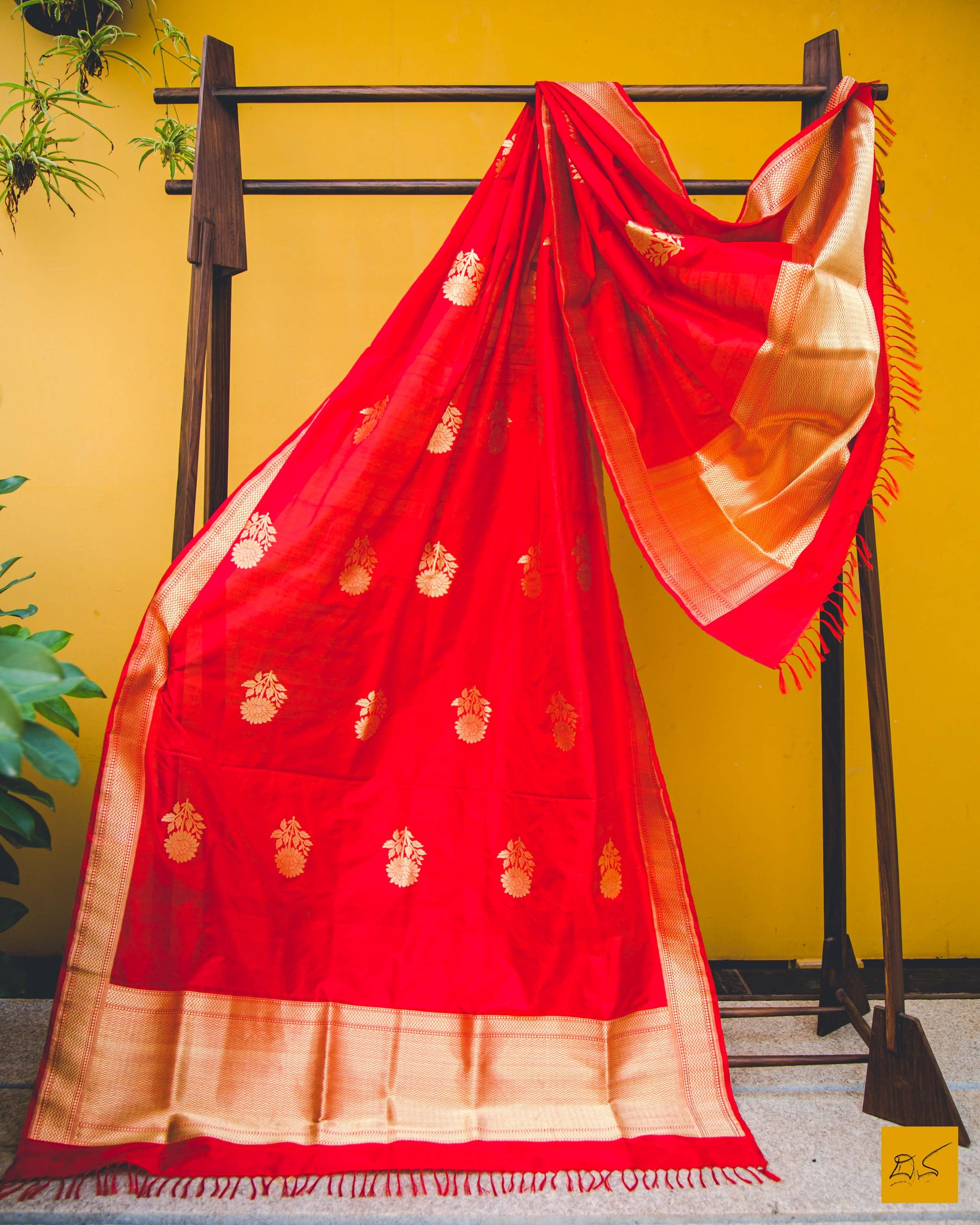 Be happy and energetic in this carmine red banarasi katan silk handwoven dupatta with kadhwa buttas, Indian wedding, Formal, Traditional, Comfortable, Gorgeous, Statement piece
