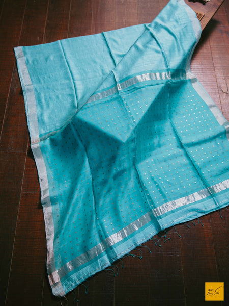 This is a gorgeous matka silk saree with sequin woven in the pallu. The saree is plain and is accompanied with a lovely brocade blouse. New trend of matka Silk saree designs, matka Silk saree for artists, art lovers, architects, saree lovers, saree connoisseurs, musicians, dancers, doctors, matka Silk saree, indian saree images, latest sarees with price, only saree images, new matka silk saree design.