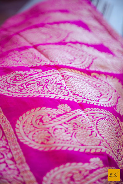 This is a wonderful banarasi georgette handwoven sari with a purple and magenta body. New trend of Banarasi Saree designs, Banarasi Saree for artists, art lovers, architects, saree lovers, Saree connoisseurs, musicians, dancers, doctors, Banarasi Katan silk saree, indian saree images, latest sarees with price, only saree images, new Banarasi saree design.