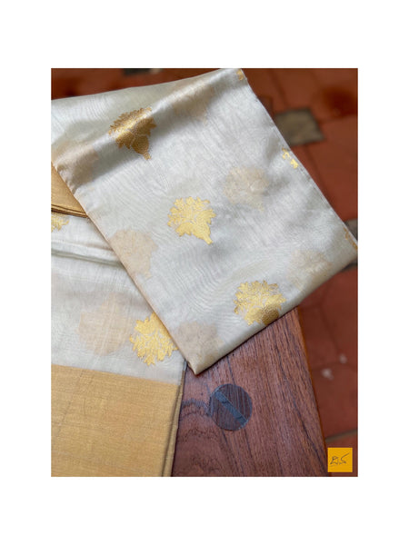 This is a gorgeous chanderi pure silk handwoven dupatta with off white body. New trend of chanderi pure silk dupatta designs, chanderi pure Silk dupatta for artists, art lovers, architects, dupatta lovers, dupatta connoisseurs, musicians, dancers, doctors, chanderi pure Silk dupatta, indian dupatta images, latest dupattas with price, only dupatta images, new chanderi pure silk dupatta design.