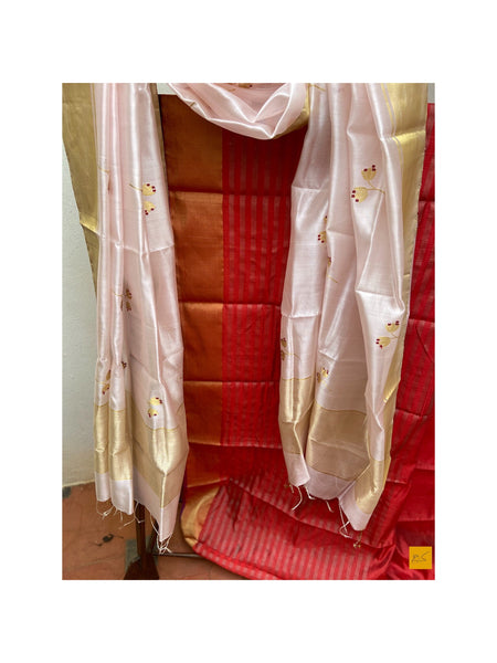 This is a gorgeous chanderi pure silk handwoven dupatta with baby pink body and red meenkari in motifs (buttas). New trend of chanderi pure silk dupatta designs, chanderi pure Silk dupatta for artists, art lovers, architects, dupatta lovers, dupatta connoisseurs, musicians, dancers, doctors, chanderi pure Silk dupatta, indian dupatta images, latest dupattas with price, only dupatta images, new chanderi pure silk dupatta design.