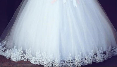 White Lace Appliques Ball Gown Wedding Dresses Shoulder Short Sleeves