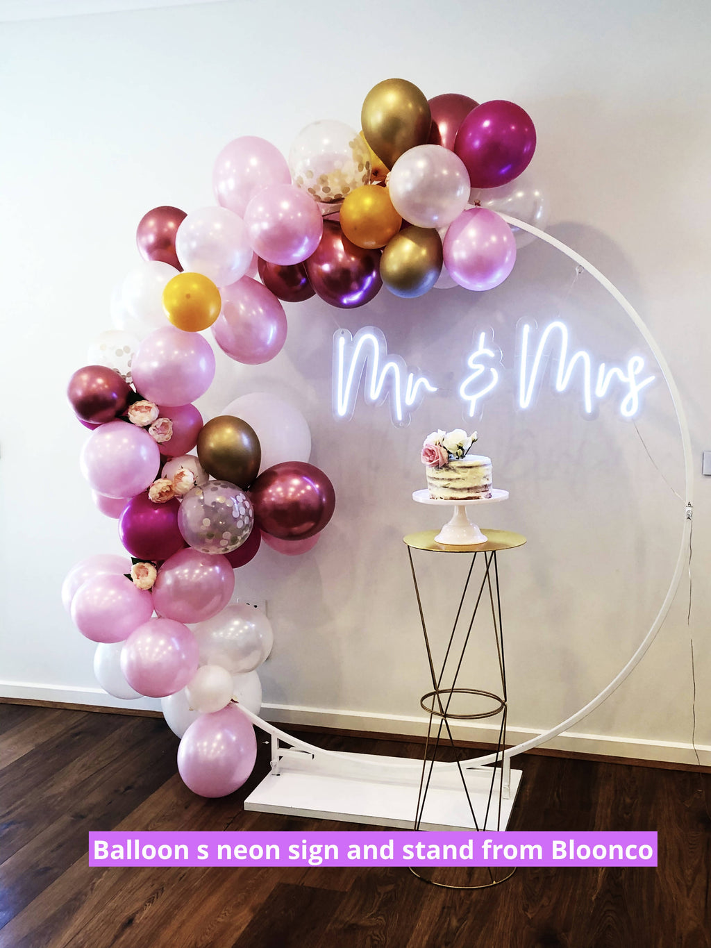 MR&MRS neon light Hire - Live Shopping Tours