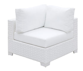 Somani White Wicker/White Cushion Corner Chair