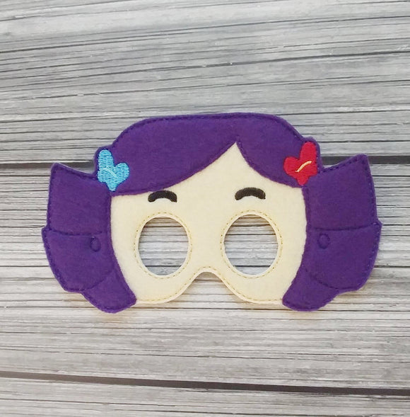 Dolly the Dress Up Doll Felt Play Mask