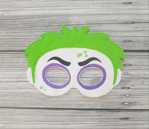 Betelgeuse Felt Play Mask