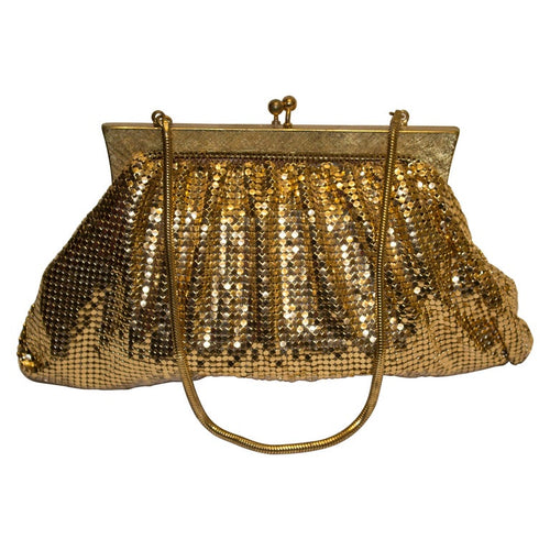A vintage 1950s gold mesh chainmesh evening bag