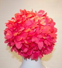 Load image into Gallery viewer, A Vintage 1950s Pink flower Petal Hat