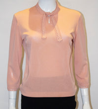 Load image into Gallery viewer, A Vintage 1940s pink knit Top by Creation Anne Laroye