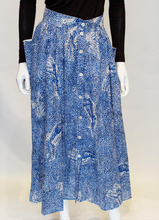 Load image into Gallery viewer, A Vintage 1980s Escada Blue and White Cotton tiger printed Skirt