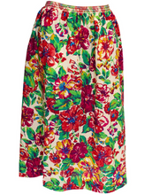 Load image into Gallery viewer, A Vintage 1970s Liberty floral Print Wool Skirt