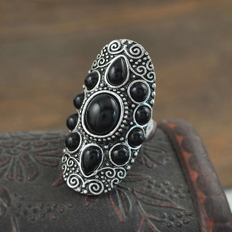 Romantic Ring with Black Resin Stones