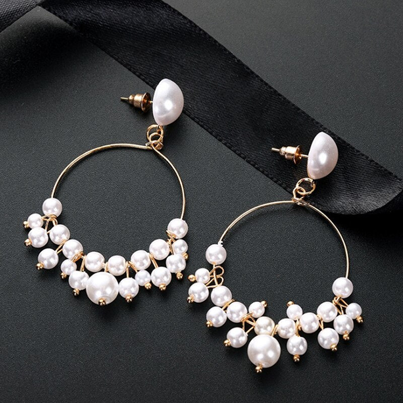 Romantic Circle Earrings with Pearls