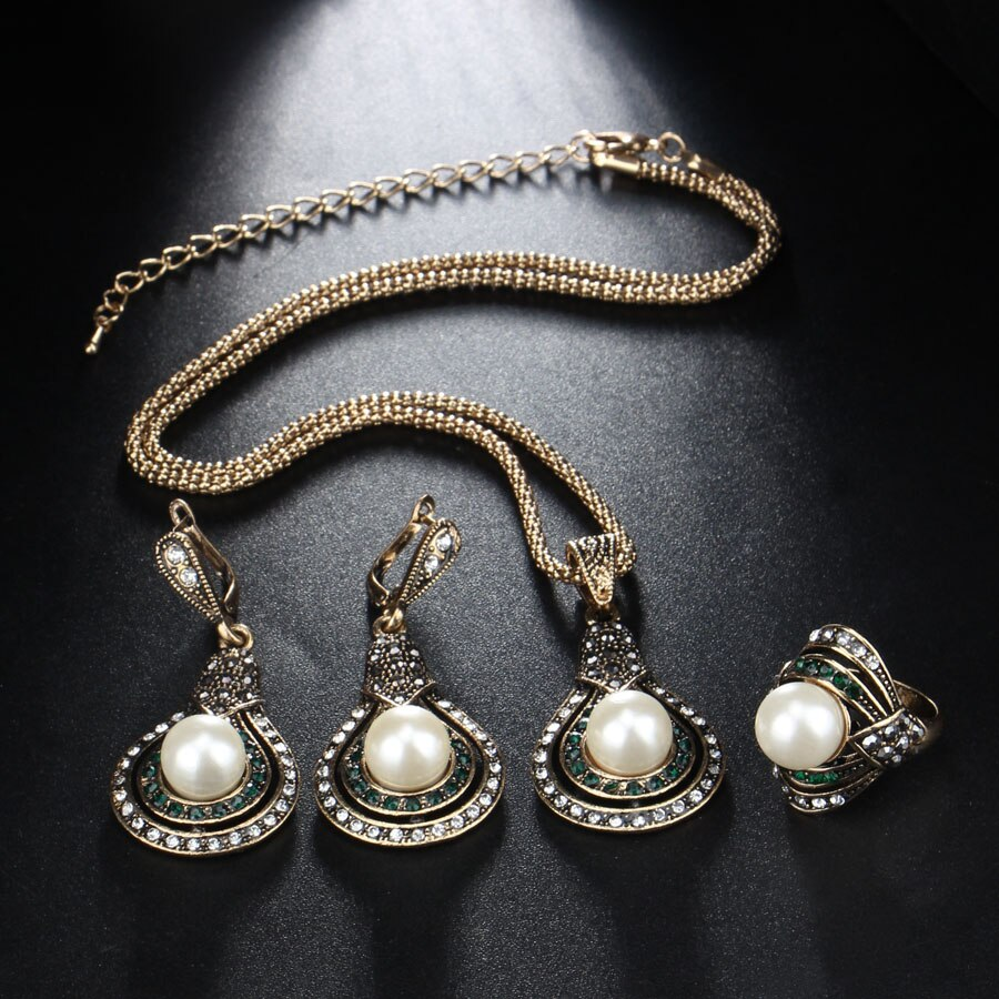 Cleopatra Pearls 3 Pieces Set