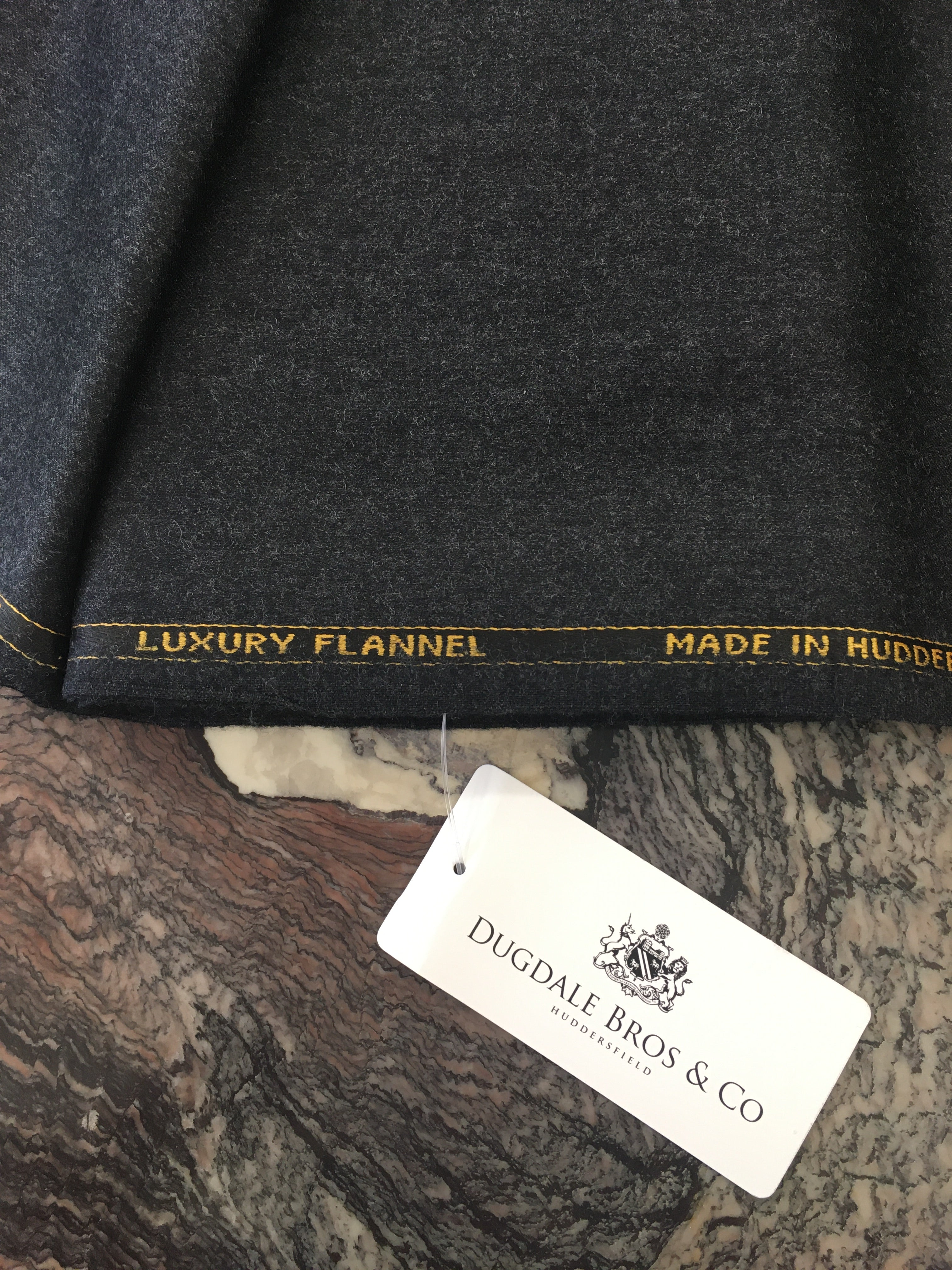 "Luxury Flannel ""Mørkegrå"""