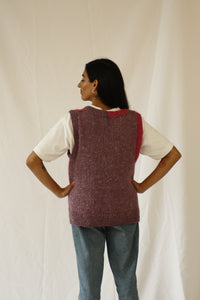 The thread of this garment was found in Kyoto, Japan. The design was inspired by the street style, art and architecture of Japan. The softest most comfortable vest you will ever wear! Perfect with a dress or with a white t-shirt and jeans. INGREDIENTS 80% alpaca 20% linen Ethically handwoven in Ecuador. Sustainable fashion, handmade, natural fibers, vintage textiles and upcycled materials.