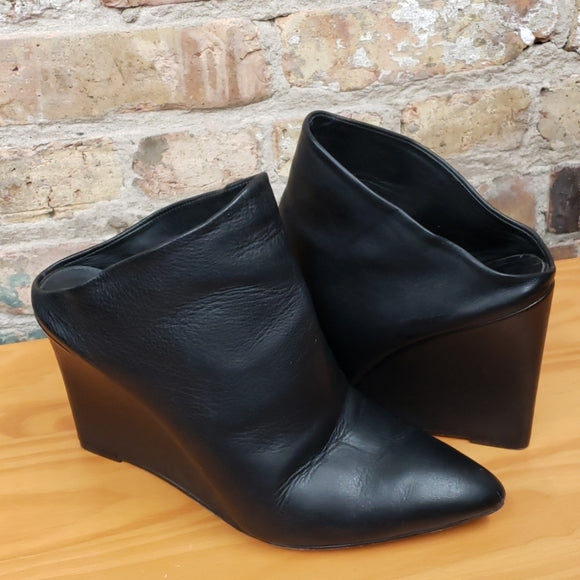 Vince Black Leather Wedge Mules Sz 9