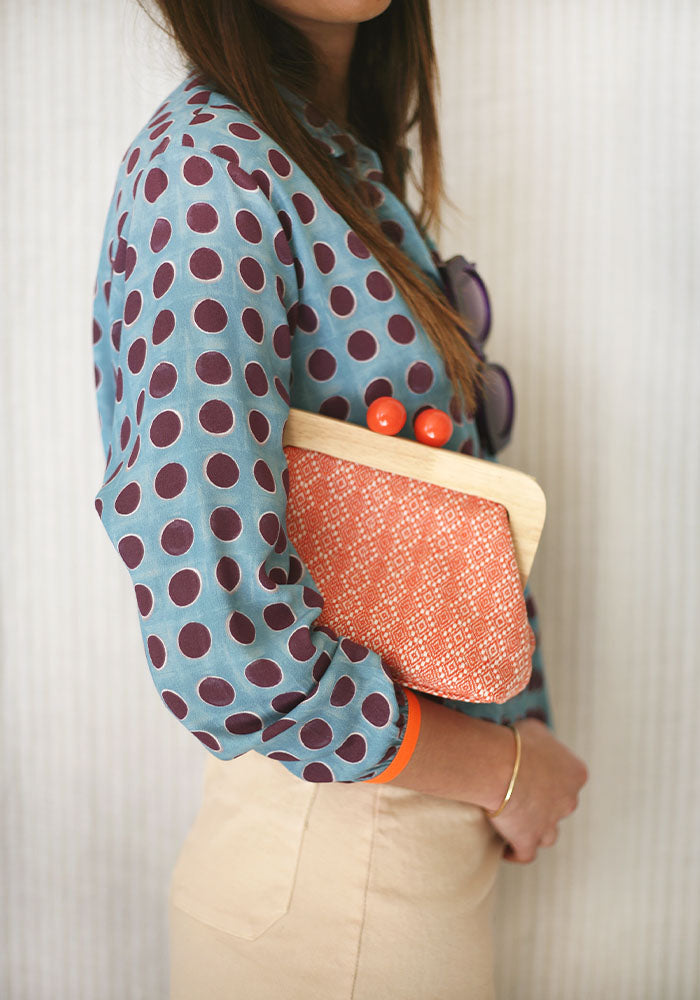 Bolso Clutch Madera Coral