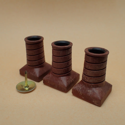 'Avon' style chimney pot set, 1/24th scale