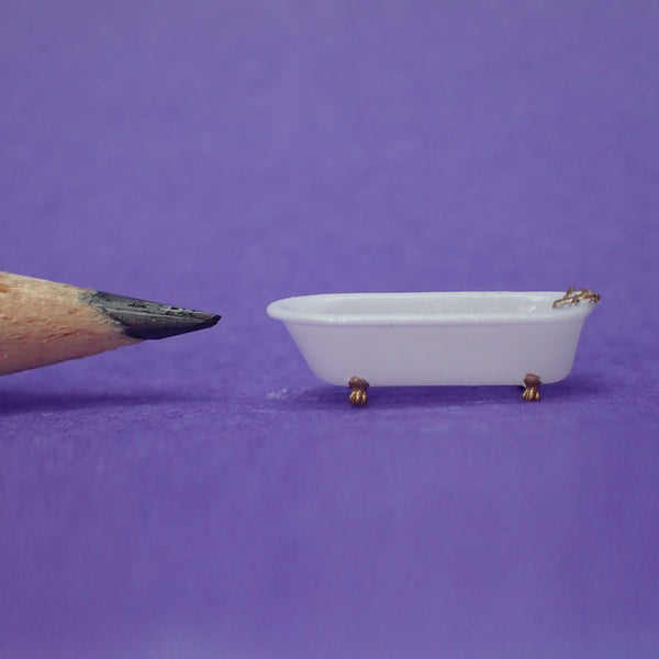 Claw foot bath tub, 1/144th scale