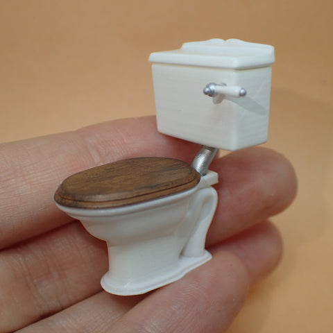 Traditional low cistern toilet, 1/24th scale