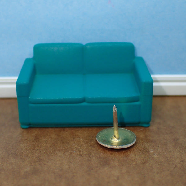 Contemporary 2 seat sofa, 1/48th scale