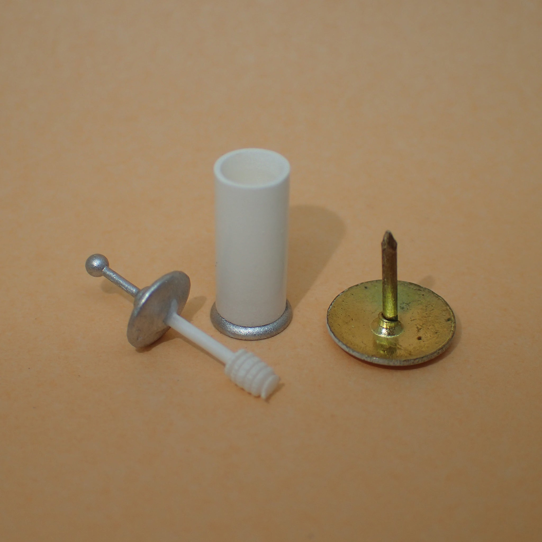 Traditional toilet brush, 1/24th scale