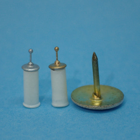 Traditional toilet brush, 1/48th scale